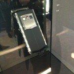 VERTU TI IL LANCIO MILANESE DEL NUOVO SMARTPHONE DI CASA VERTU AVVENUTO IN EVENTO ESCLUSIVO RISERVATO AL JET SET ED AI VIP NELLA SPLENDIDA BOUTIQUE DI VIA MONTENAPOLEONE 03 150x150 - Vertu ti il nuovo smartphone innovativo dove la tecnologia incontra l'esclusività.