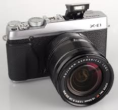 images 1 - Il premio per il design delle macchine fotografiche digitali: Tripla vittoria per Fujifilm al RedDot Design Awards 2013