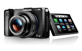 images 3 - Per migliorare la fotografia digitale Samsung svela le nuove SMART CAMERA con schermo touch