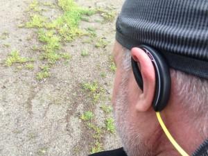 Auricolare stereo Jabra SPORT Bluetooth® da Running corsa ciclismo e sport allaperto unboxing e prima prova su strada durante una giornata piovosa utilizzo anche come radio stereo fm entrocontenuta test drive relizzata da michele ficara 57 300x225 - I migliori auricolari bluetooth wireless per il running, la prova di Jabra Sport