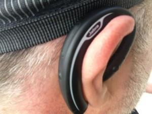 Auricolare stereo Jabra SPORT Bluetooth® da Running corsa ciclismo e sport allaperto unboxing e prima prova su strada durante una giornata piovosa utilizzo anche come radio stereo fm entrocontenuta test drive relizzata da michele ficara 66 300x225 - I migliori auricolari bluetooth wireless per il running, la prova di Jabra Sport