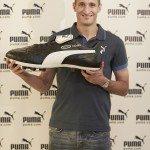 Chiellini con la scarpa celebrativa Puma King 150x150 - La scarpa da calcio di Sergio Agüero, Verratti e Falcao: Puma presenta le nuove evoSPEED 1.2