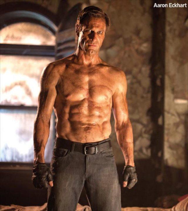 """I Frankenstein EW 7 11 13 - Aaron Eckhart è un muscoloso """"mostro"""" nella prima foto di I, Frankenstein"""