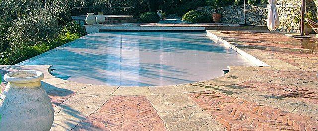 Pavimentazione bordo piscina id es de design d 39 int rieur - Pavimentazione per bordo piscina ...