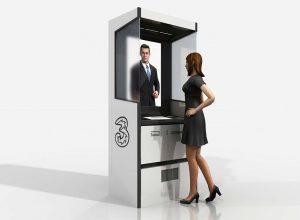 """3 prime vending machine a Milano 2 300x220 - 3 Italia lancia i chioschi interattivi. A Milano le prime """"vending-machine"""""""