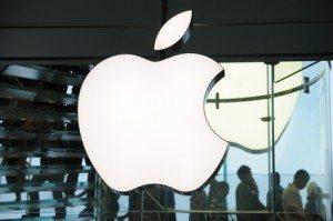 Apple fatturato terzo trimestre 2 300x199 - Fatturato record per Apple, in crescita iPhone, Mac e Servizi. Aumento del 20% dell'utile per azione