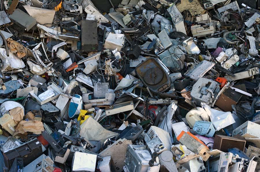 rifiuti elettronici - I cellulari si autodistruggono per ridurre i rifiuti elettronici