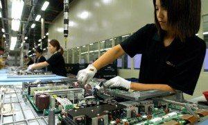 samsung contro lo sfruttamento lavoro minorile 2 300x180 - Samsung contro lo sfruttamento del lavoro minorile. Interrotti rapporti con fornitore cinese.