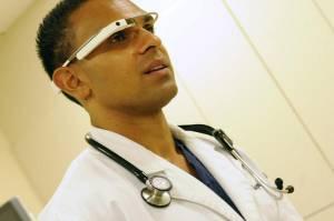 Google Glass universita di medicina 300x199 - I Google Glass arrivano all'Università di Medicina