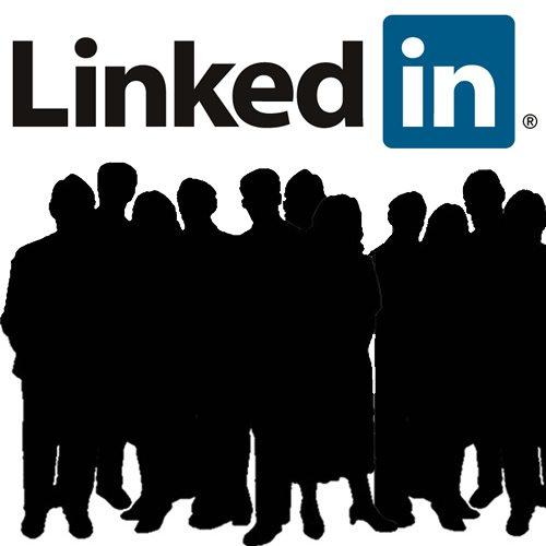 linkedin batte facebook - Linkedin fotografa i lavoratori italiani: addio alla creatività e largo alla specializzazione