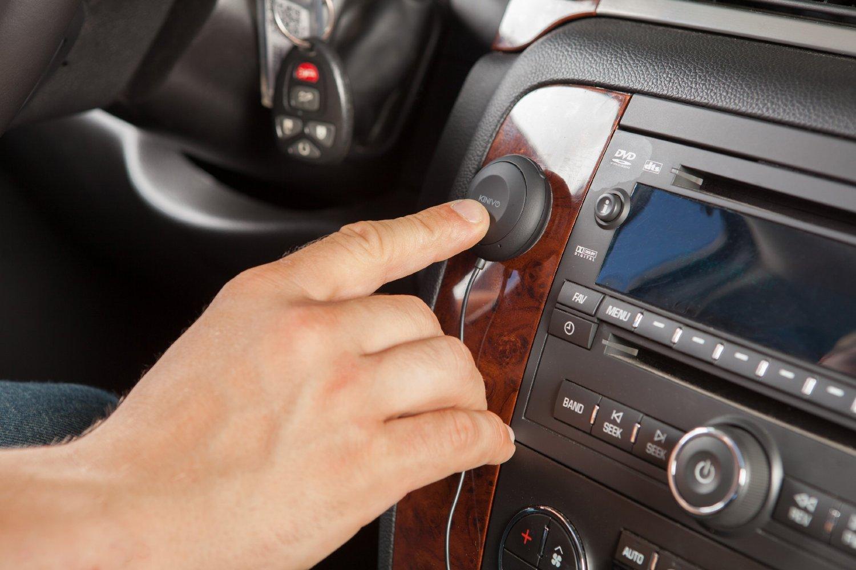 I migliori altoparlanti bluetooth per auto per telefonare alla guida