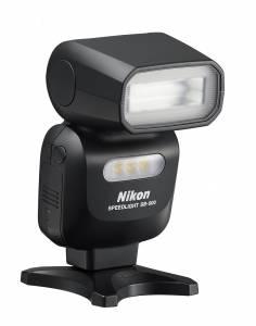 Nikon SB500 AS23 frt34r 236x300 - Nuovo obiettivo ultra grandangolare con unità flash Nikon SB-500