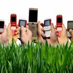 A natale regala i migliori telefoni cellulari a meno di 99 euro: la classifica delle offerte