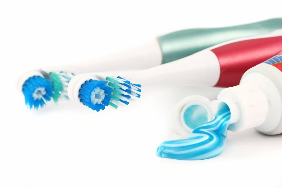 migliori spazzolini da denti elettrici prezzi scontati amazon 1160x774 - Lavarsi i denti in maniera intelligente ed accurata usando lo spazzolino elettrico