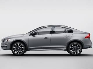 Volvo S60 Cross County NAIAS 2015 6 320x240 - Salone di Detroit 2015: Volvo S60 Inscription, S60 Cross County, e XC90