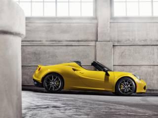 alfa romeo 4c spider salone di detroit 2015 2 320x240 - Salone di Detroit 2015: Alfa Romeo Spider C