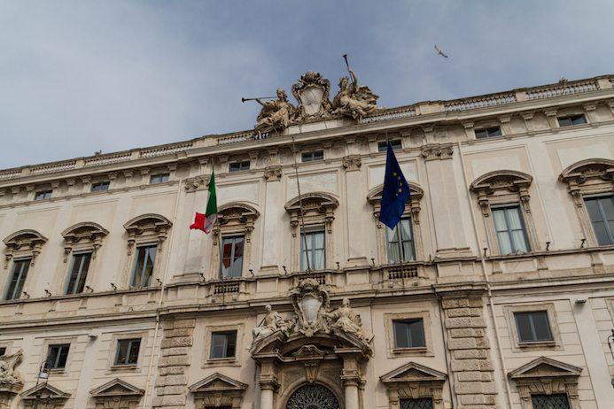 Mattarella nuovo presidente della repubblica for Nuovo parlamento italiano