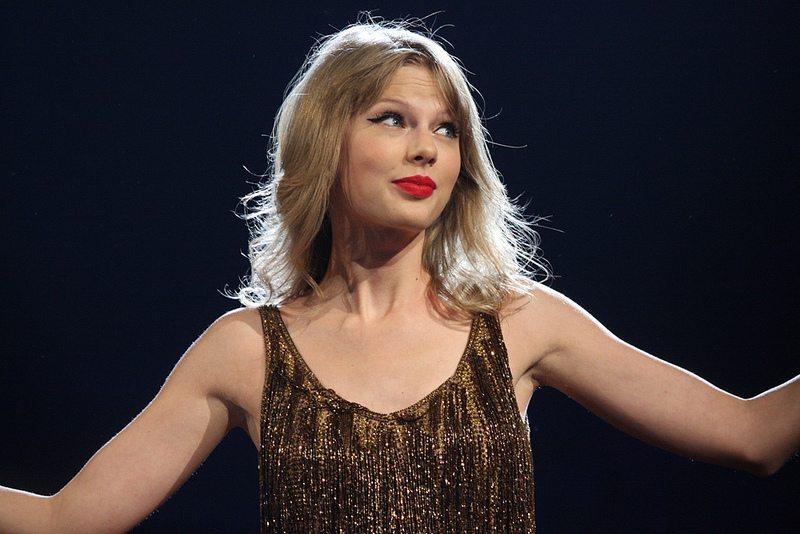 Taylor Swift - Foto Taylor Swift nuda: hacker la ricattano