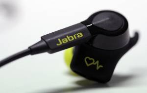pulse1 300x190 - Cuffie da running che rilevano il battito cardiaco: Jabra Pulse Sport Wireless