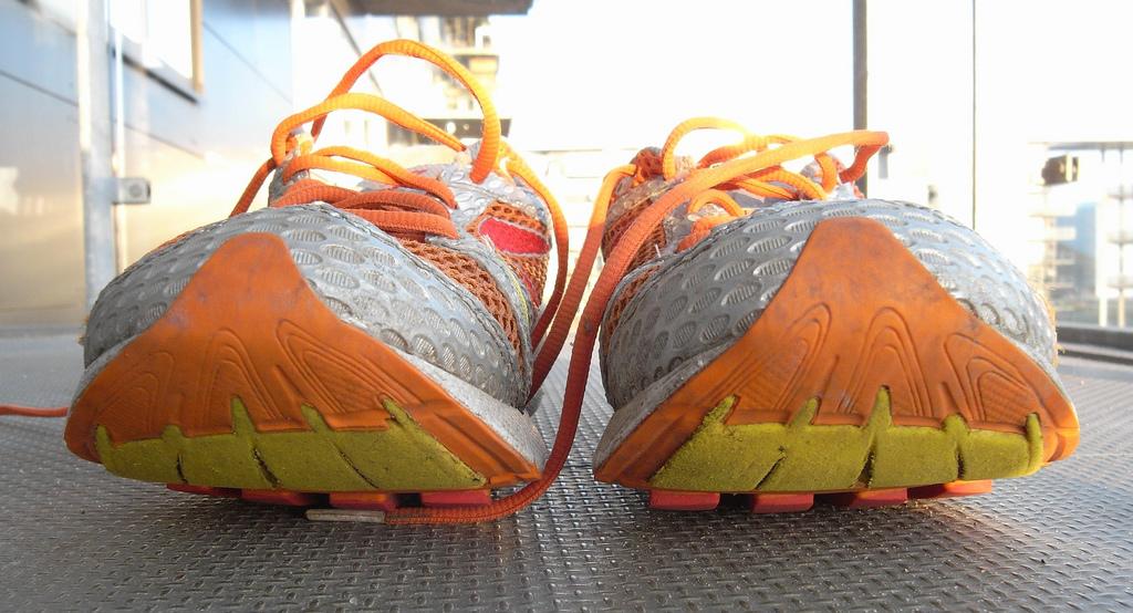 La guida per scegliere le scarpe da corsa: a ogni piede la sua calzatura