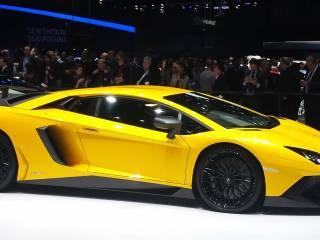 Lamborghini Aventador 3 Medium 320x240 - Lamborghini Aventador al Salone di Ginevra 2015, foto e video