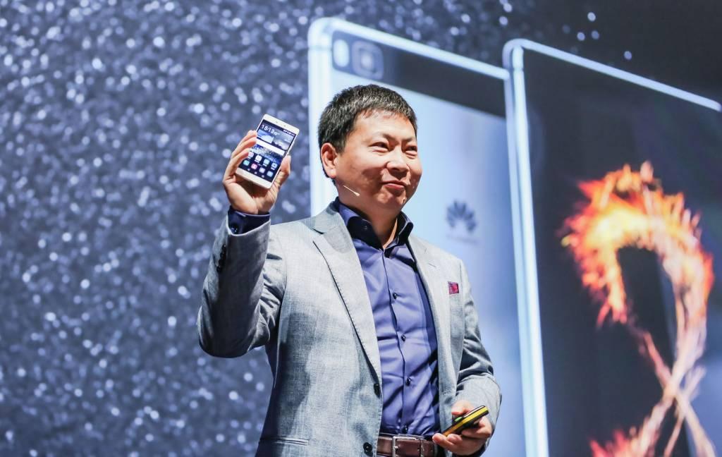 1 Richard Yu Reveals the Huawei P8 1024x648 - Huawei lancia P8, lo smartphone rivoluzionario con funzionalità light painting
