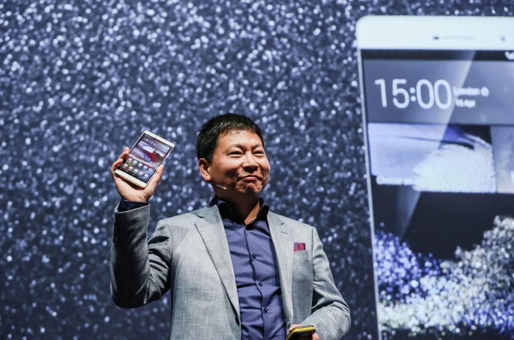 4 The new Huawei P8max 1024x677 - Huawei lancia P8, lo smartphone rivoluzionario con funzionalità light painting