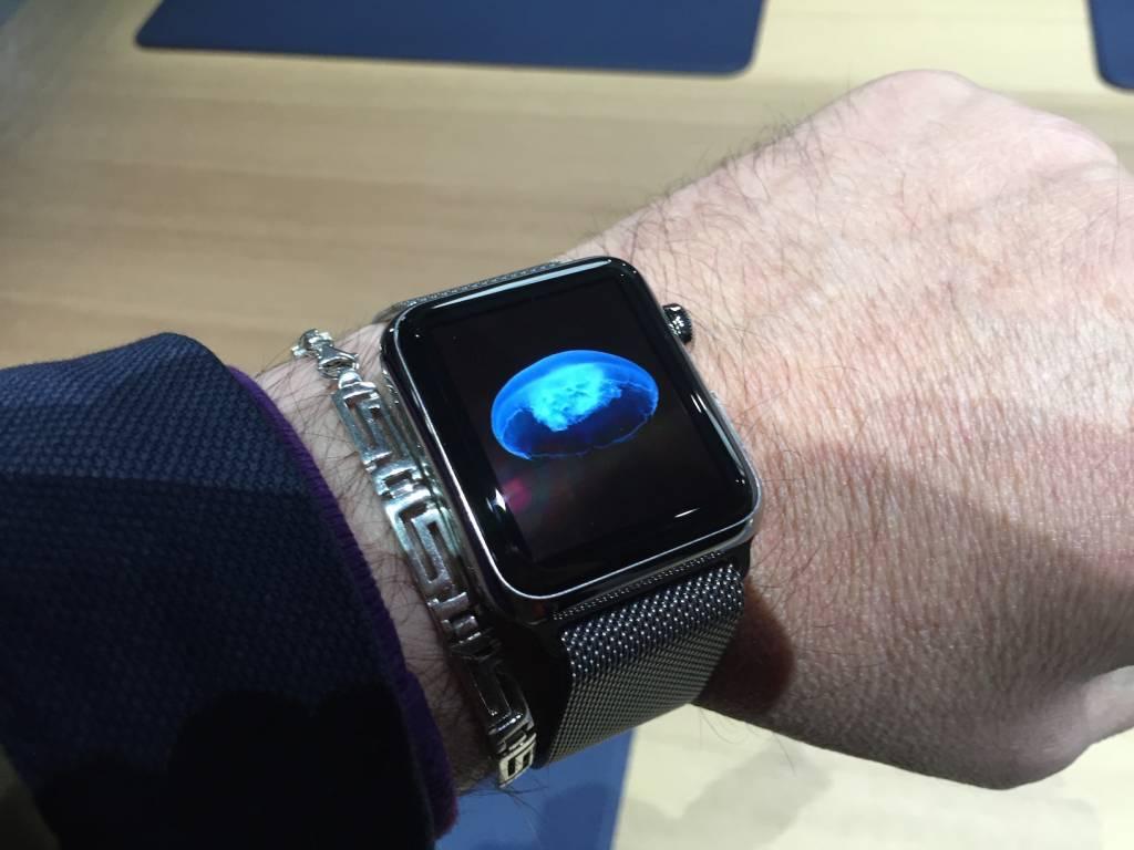 Apple Watch anteprima a sorpresa al fuorisalone Milanese06 1024x768 - Apple Watch anteprima a sorpresa al #fuorisalone Milanese: catalizza l'attenzione del pubblico