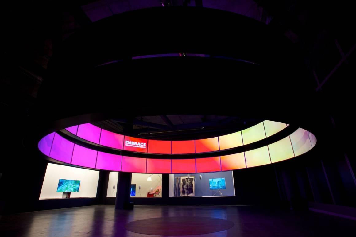 SAMSUNG FuoriSalone  014 1160x772 - Il cuore della filosofia del design di Samsung al FuoriSalone 2015