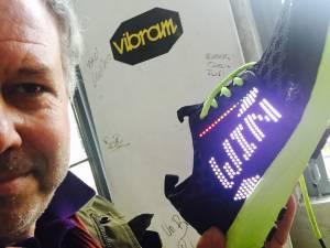 SMART SHOE LENOVO VIBRAM 3 300x225 - La scarpa che si illumina e vibra: Smart shoe Vibram Lenovo
