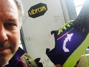 SMART SHOE LENOVO VIBRAM 4 300x225 - La scarpa che si illumina e vibra: Smart shoe Vibram Lenovo