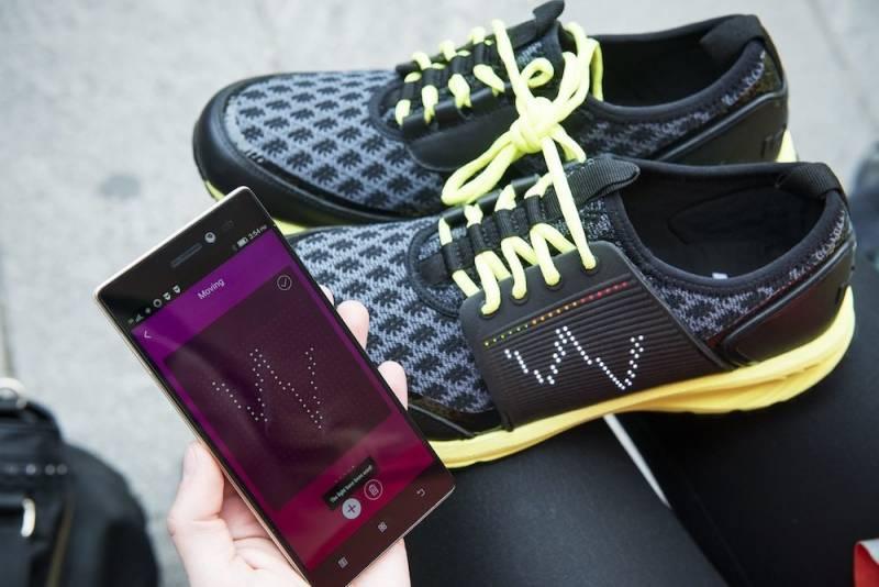 Vip Experience1 800x534 - La scarpa che si illumina e vibra: Smart shoe Vibram Lenovo