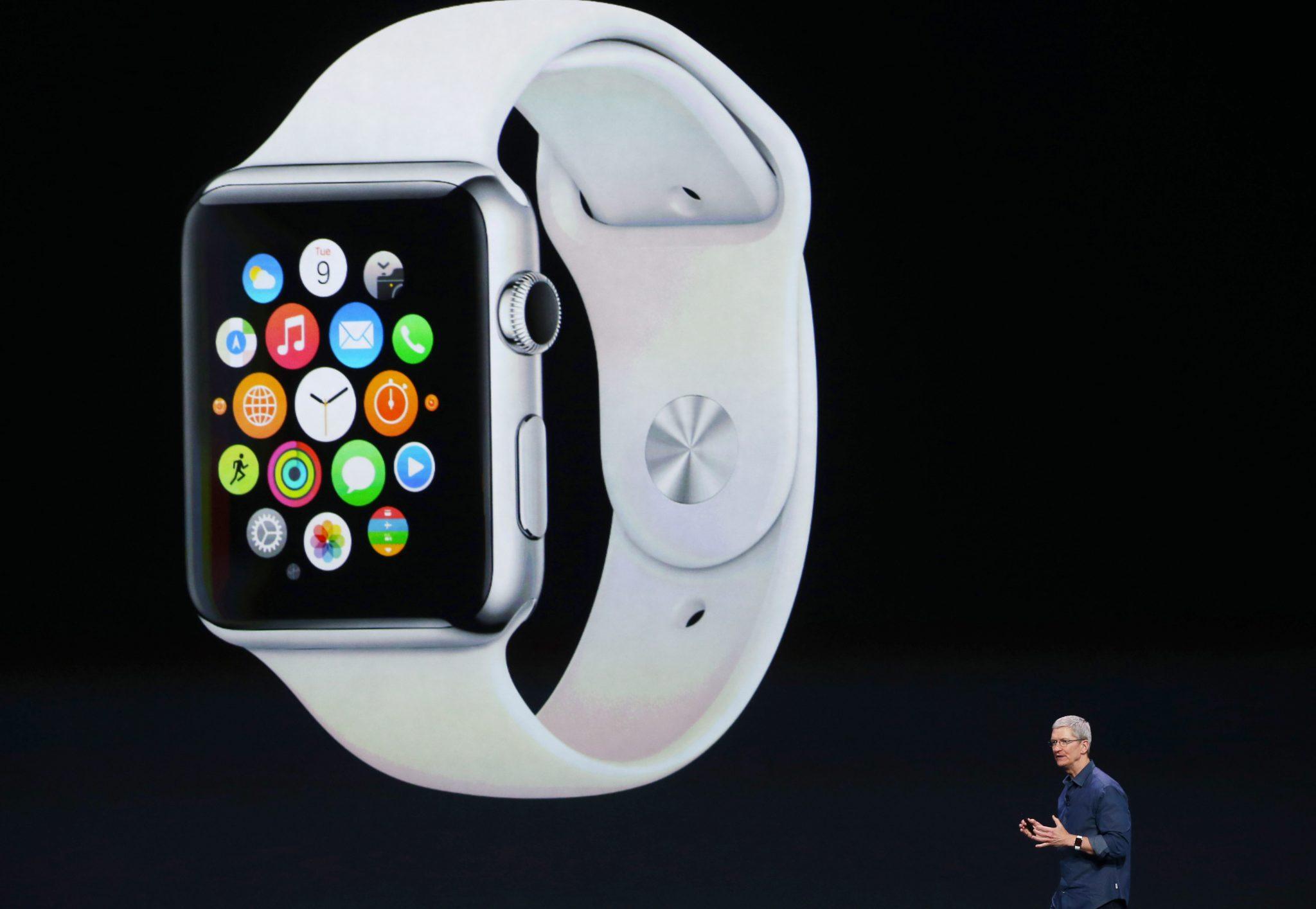 Smartwatch Apple da record: 8,2 milioni di pezzi venduti. Samsung insegue a stento