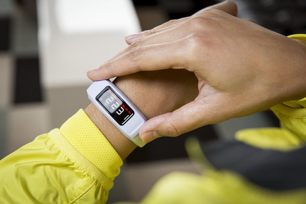 Tenersi in forma con i braccialetti per correre da collegare ad iPhone e Android