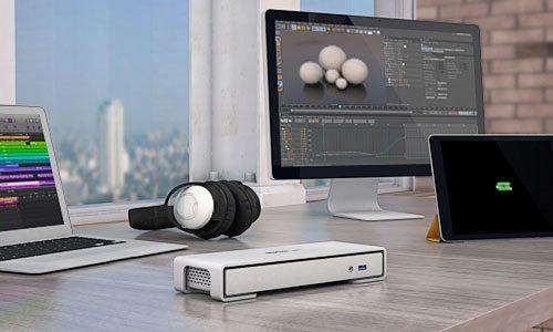TB2DOCK4KDHC lifestyle - Trasformare un MacBook in una potente workstation con la Docking Station Startech.com