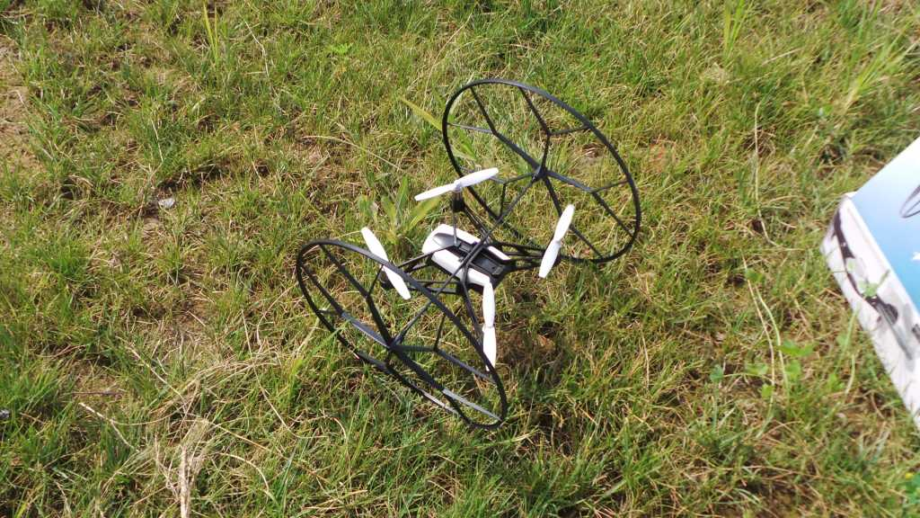 Recensione Parrot Rolling Spider 034 1024x576 - Recensione Parrot Rolling Spider: un drone nel palmo della mano