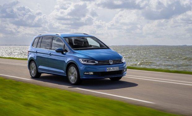 Schermata 2015 07 02 alle 17.17.40 - Volkswagen Touran: in Italia da 24.500 euro