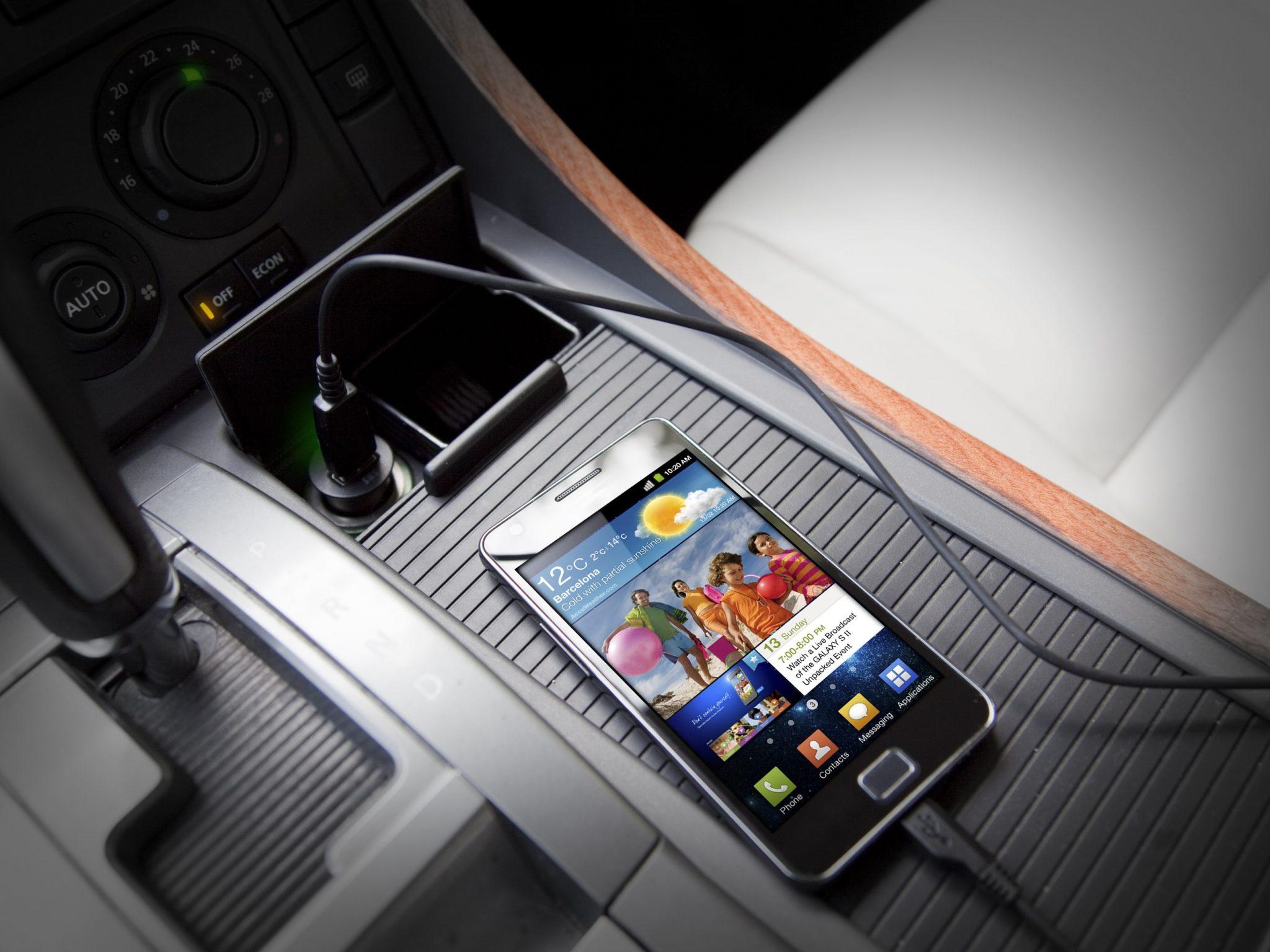 Comprare il caricabatterie per cellulari economico: guida e classifica per gli acquisti