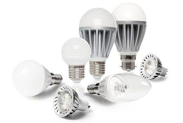 Migliori lampadine a led per risparmiare la guida con i for Lampadine led casa