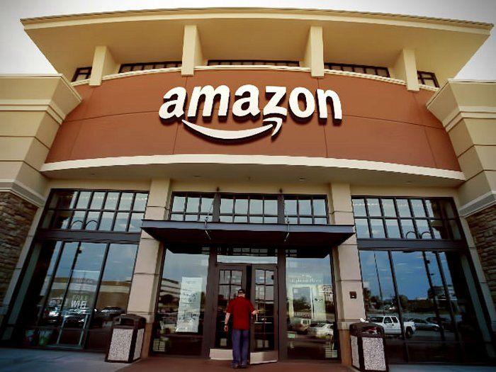 Amazon aprira 400 librerie fisiche - Amazon aprirà 400 negozi fisici, presto anche in Italia?