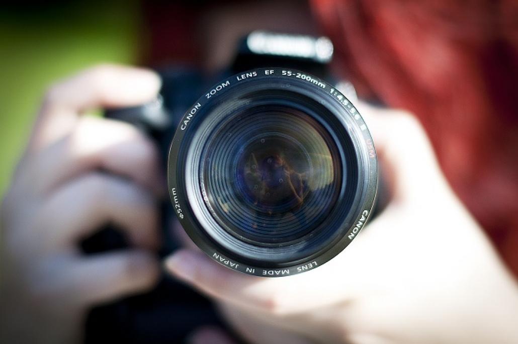 Scatta foto incredibile utilizzando la miglior camera fotografica economica consigliata dagli esperti
