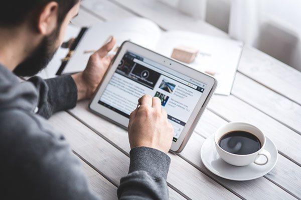 Lavora ovunque rimanendo sempre connesso con il miglior Tablet WiFi economico consigliato dagli esperti