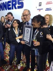 Guinness World Record per Smart ed Esselunga Fidaty8 e1458142673119 225x300 - Guinness World Record per Smart ed Esselunga Fidaty