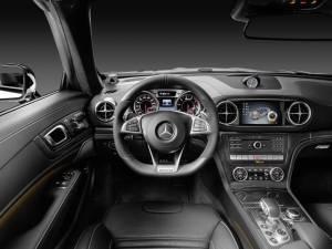 Mercedes AMG SL 10 1865782 300x225 - Nuova mercedes SL, torna la leggenda
