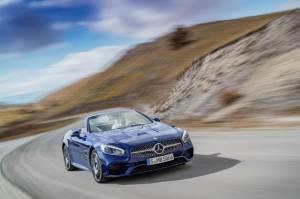 Mercedes Benz SL 1 1865774 300x199 - Nuova mercedes SL, torna la leggenda