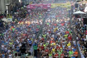 Partenza  SuisseGas Milano Marathon 2015 ph. credits ANSA 300x200 - MILANO MARATHON tutte le informazioni sulla gara e sul ritiro dei pettorali