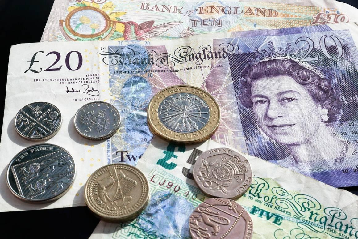 banca 1459240271 1160x773 - Le banche perdono clienti se non proteggono la loro sicurezza.
