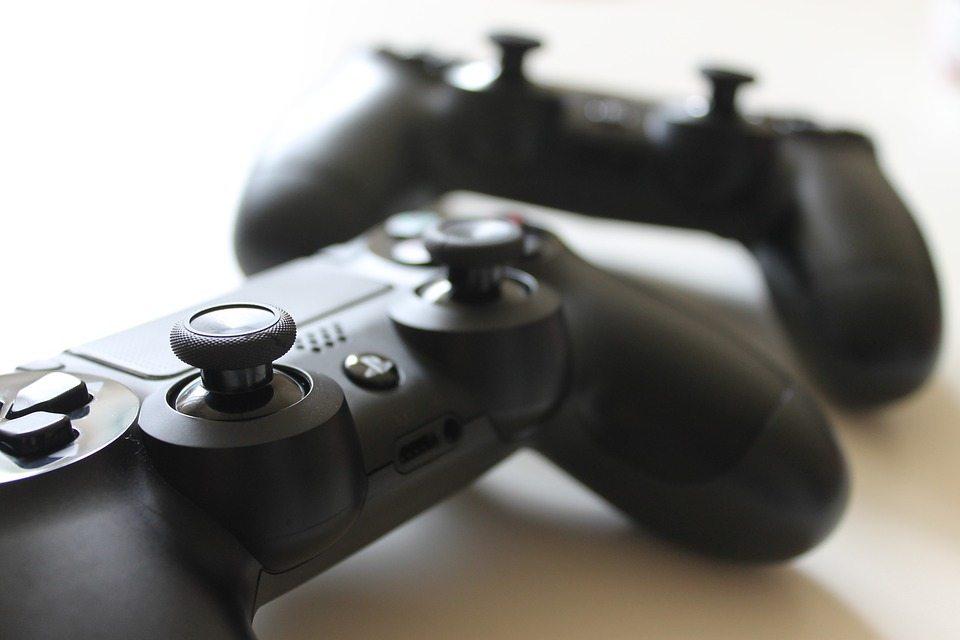 controller 1216816 960 720 - Migliori console di gioco: guida agli acquisti