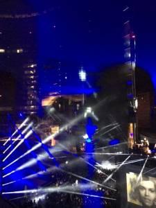 laser show milano samsung 3 e1457713614269 225x300 - Laser Show Milano: Samsung illumina l'arrivo di Galaxy S7