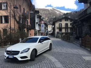 Mercedes 250 CLS shooting Brake tour tra Cervinia e Courmayeur11 300x225 - Mercedes 250 CLS shooting Brake: tour tra Cervinia e Courmayeur